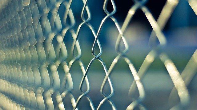 Dove trovare le giuste reti e recinzioni metalliche?