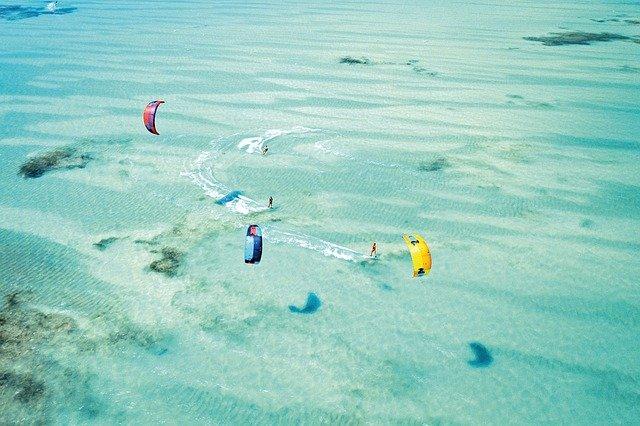 Il kitesurf e la location perfetta per impararlo Lo Stagnone di Marsala
